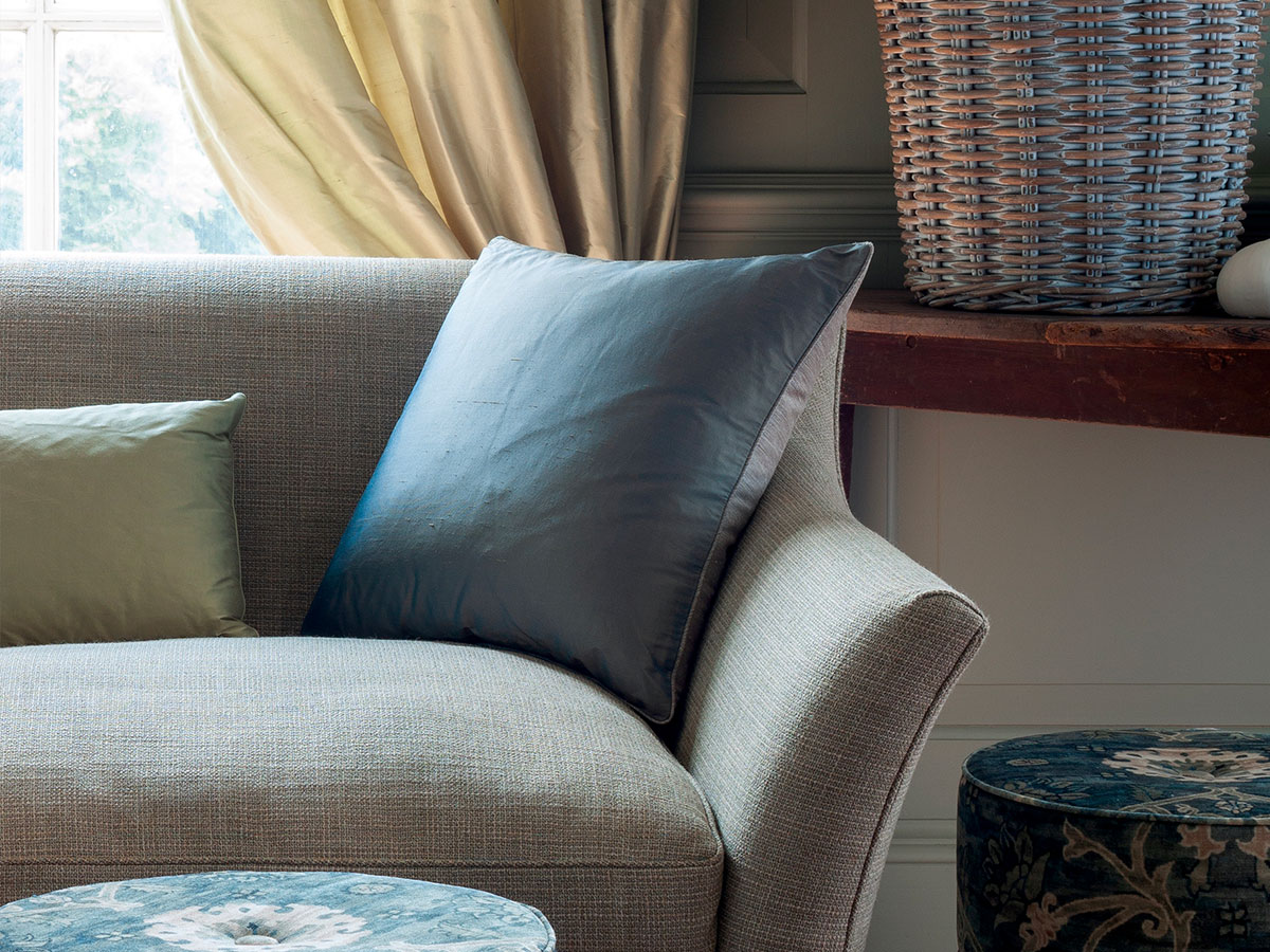 Upholstery fabrics, sofas. Zefiro Interiors, Professionals in interior design, consulting and decoration. Florence and Tuscany.